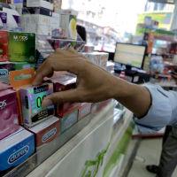 Со скольки лет можно покупать презервативы