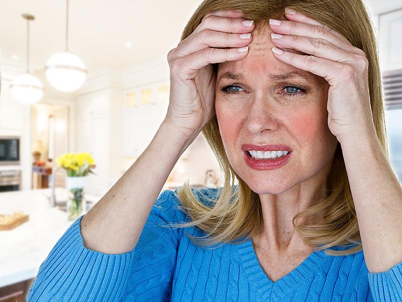 Головная боль при климаксе: причины, симптомы и лечение