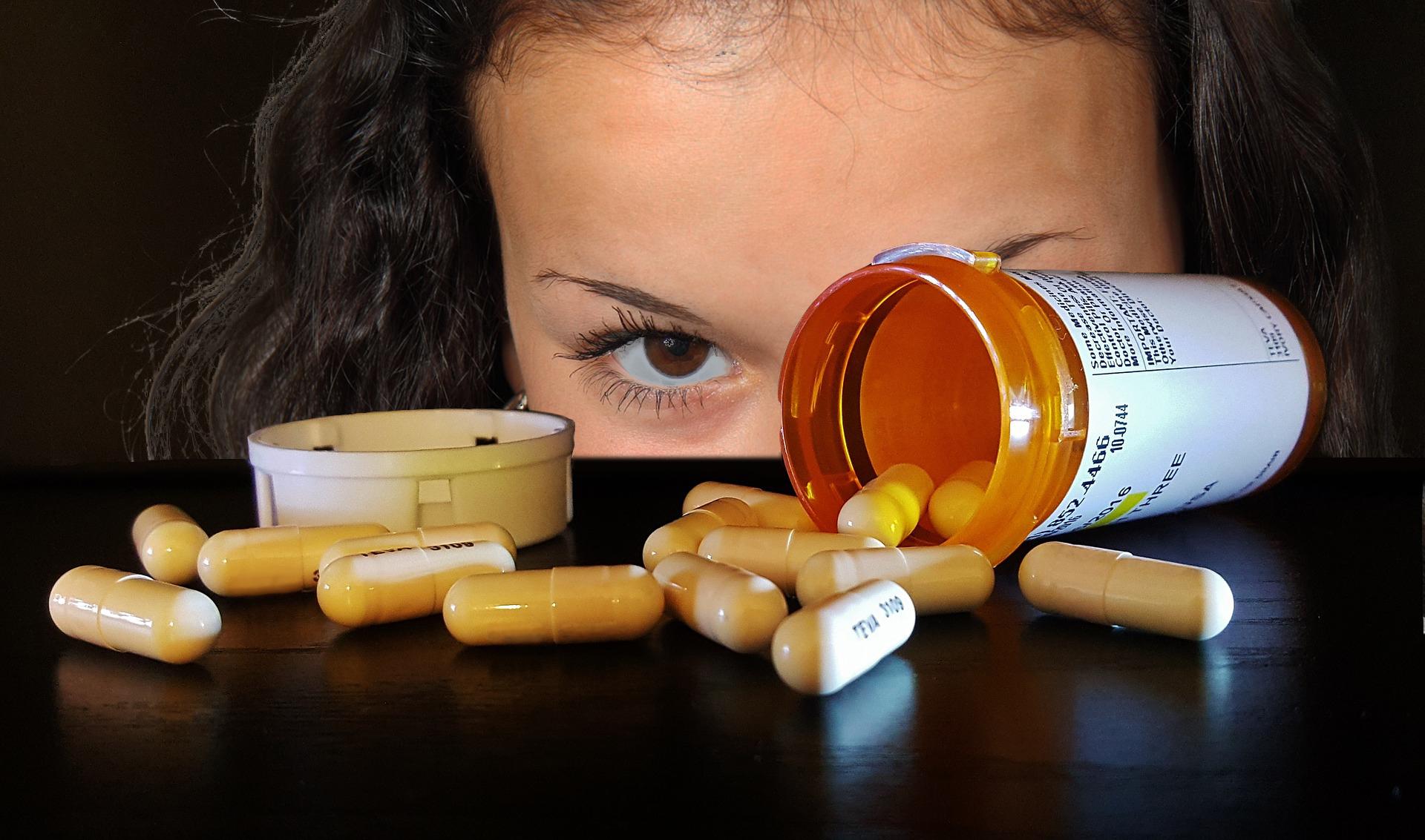Могут ли антибиотики повлиять на месячные